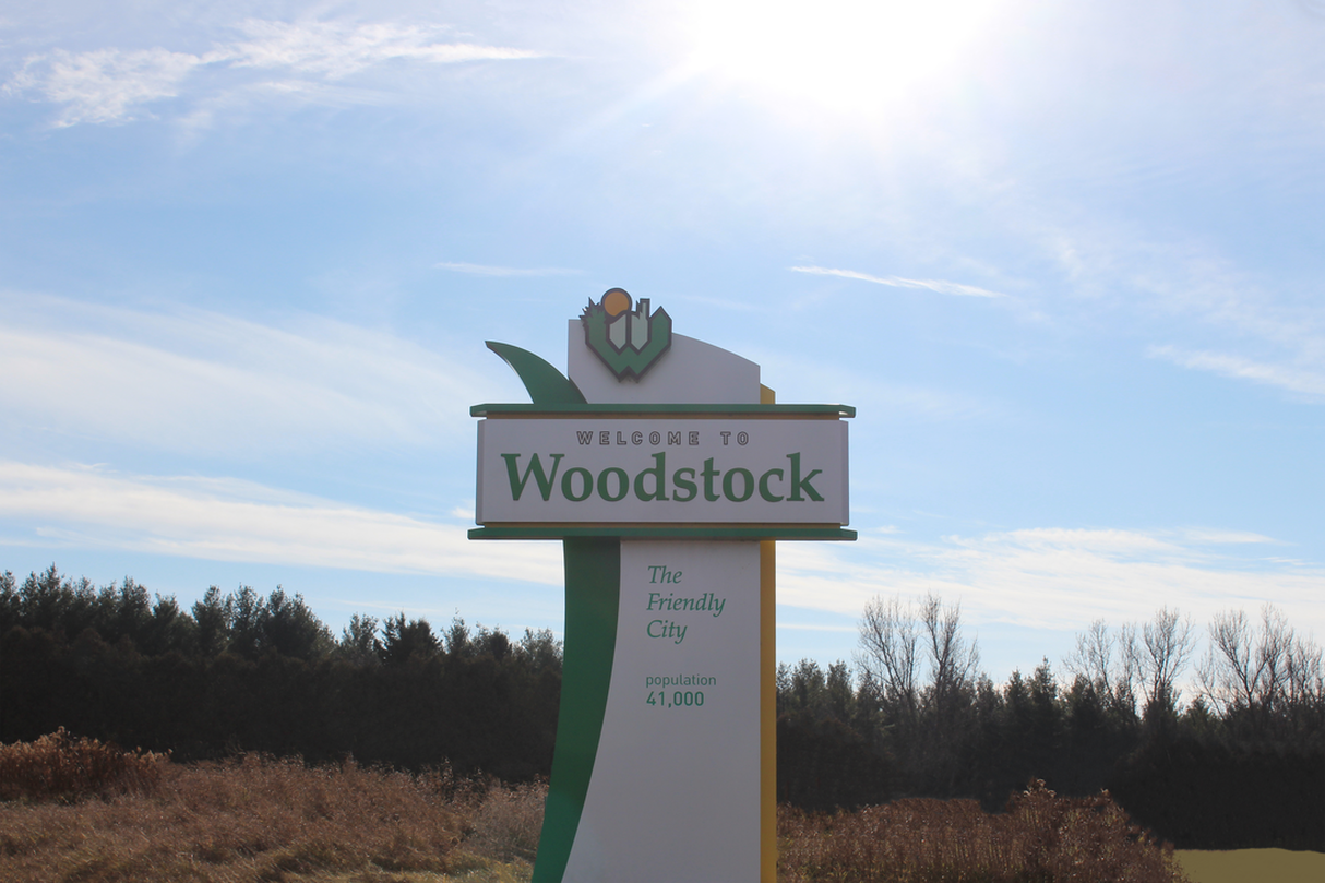 welcome to woodstock ontario sign - https://g.page/quenchphotography